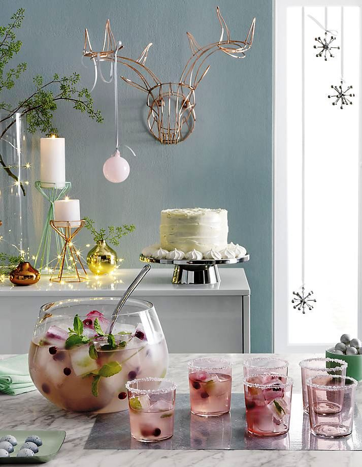 Delicious-holiday-style-in-product-photography-