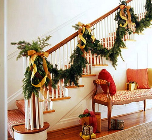 Pretty-Christmas-Railing-with-Gold-Ribbon