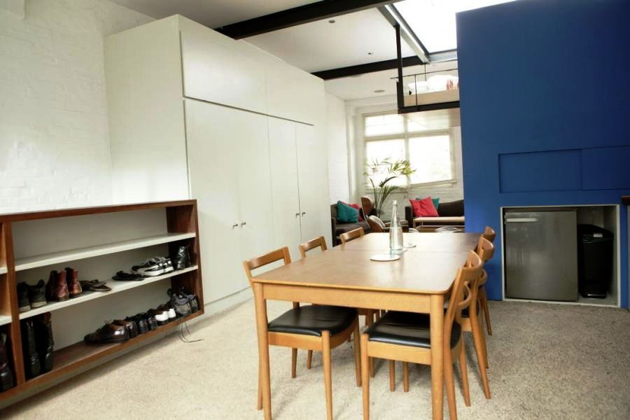 Smart-storage-space-and-shoe-stand-in-the-dining-area