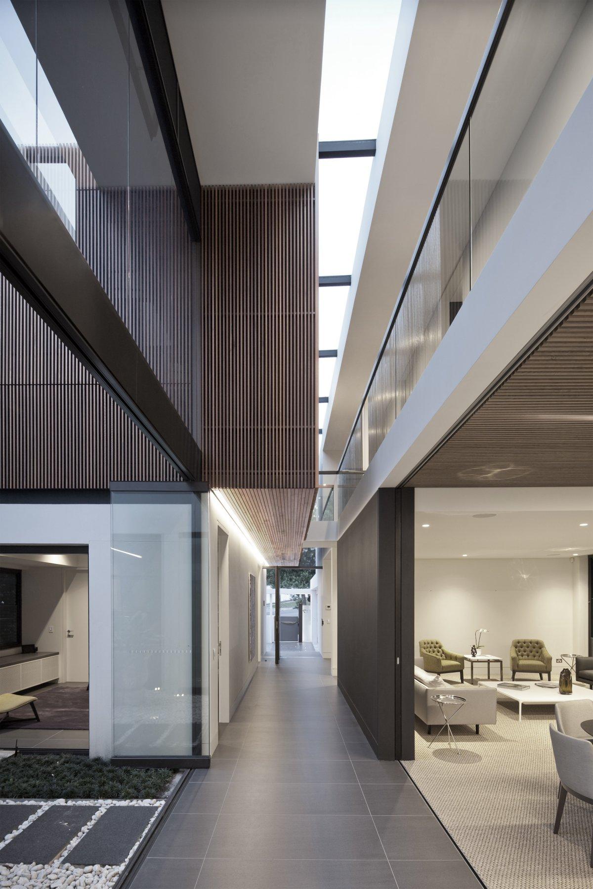 white-marble-floor-tiles-on-exterior-corridor