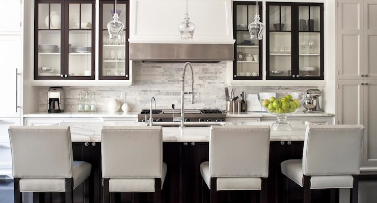 Transitional Kitchen Design with White Shaker Style Cabinets