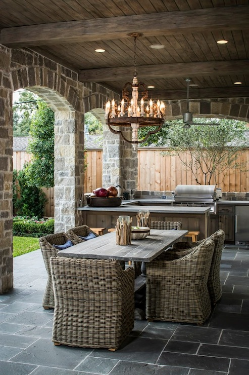 Outdoor KItchen Transitional