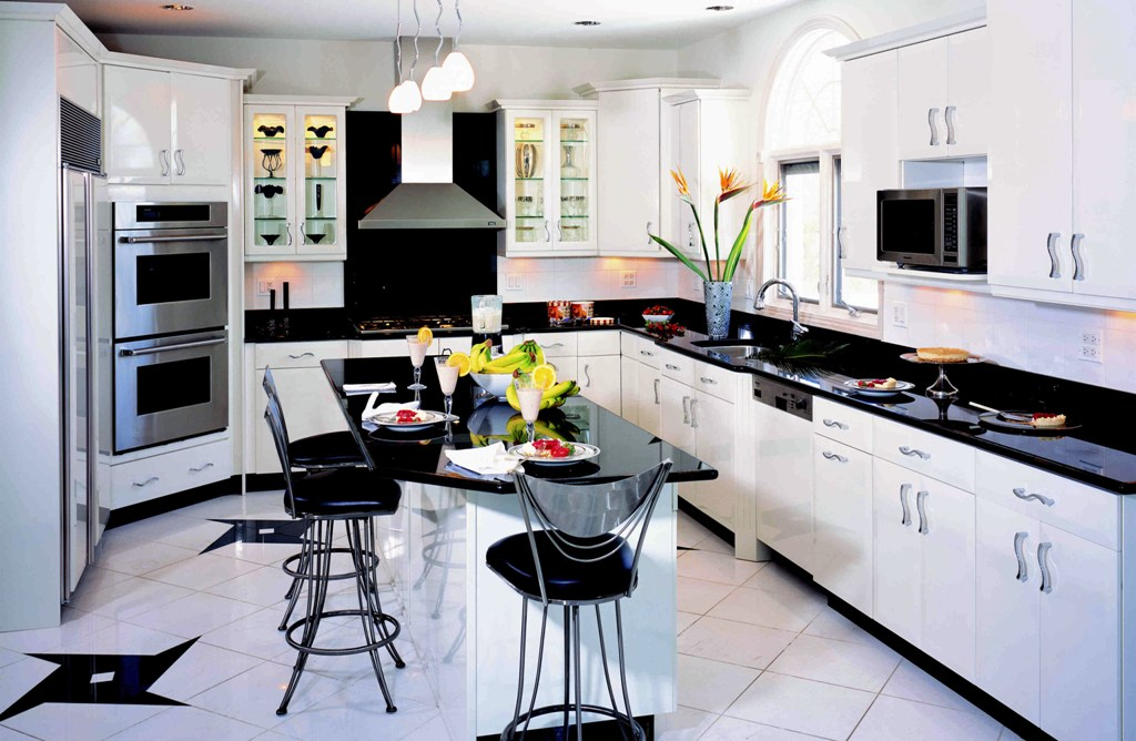 Dream-Kitchen-Pictures-With-Black-And-White-Color-Ideas