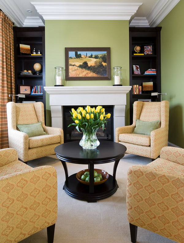 Small Living Room with Round Table