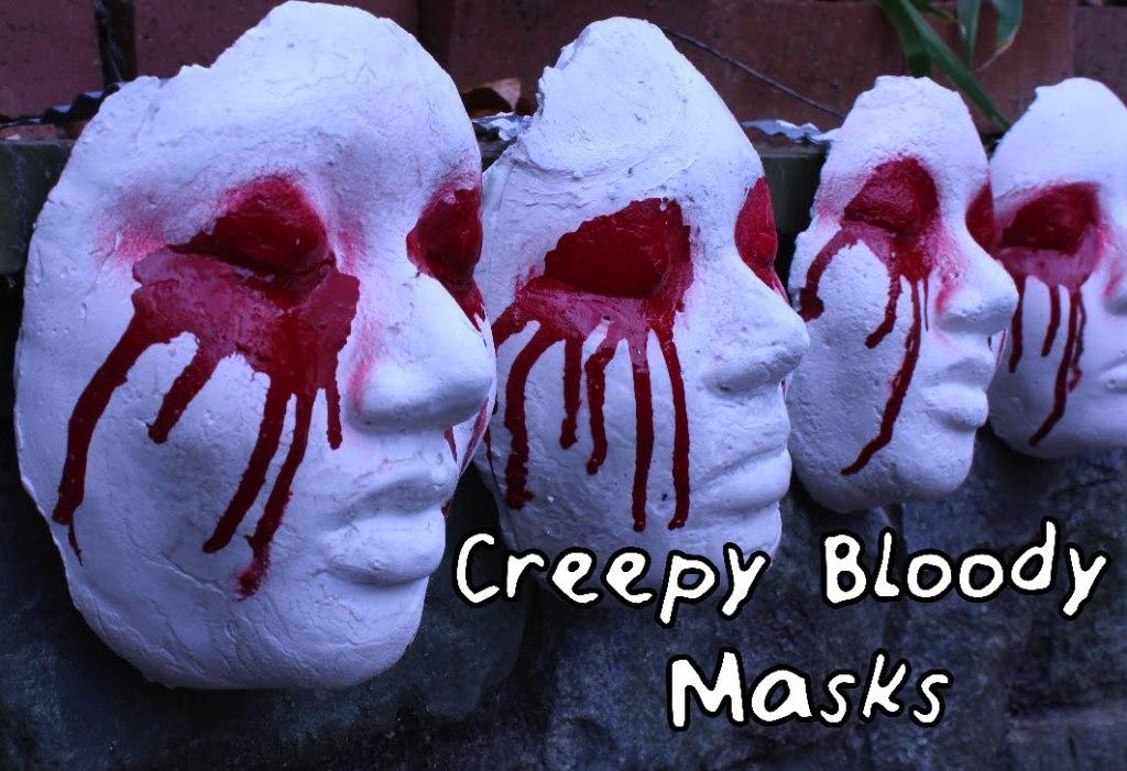 DIY Creepy Bloody Mask Scary Halloween Decor
