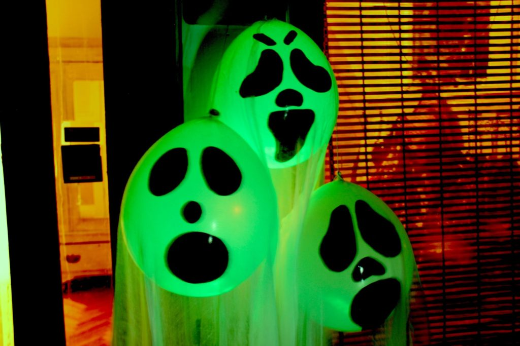 35 Scary Outside Halloween Ghost Decorations Ideas Wow Decor