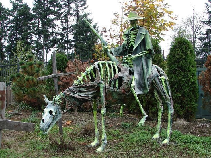 Dead cowboy Halloween Decoration Ideas
