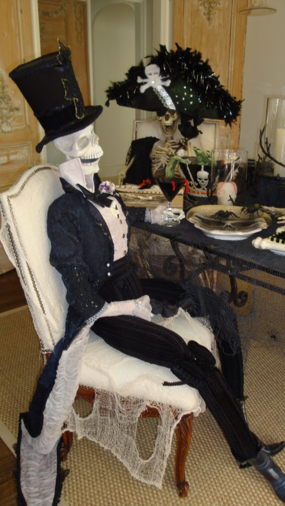 Skeleton Man Halloween Dinner Table Setting