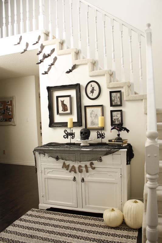 White Pumpkin Entry Way Decoration