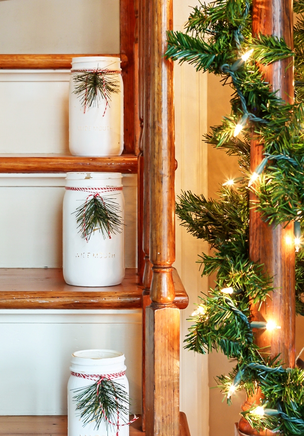 beautiful-christmas-stairs-decoration-ideas-4