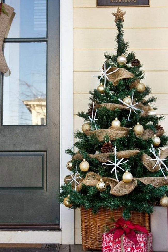 christmas-decorations-front-door-ideas-16