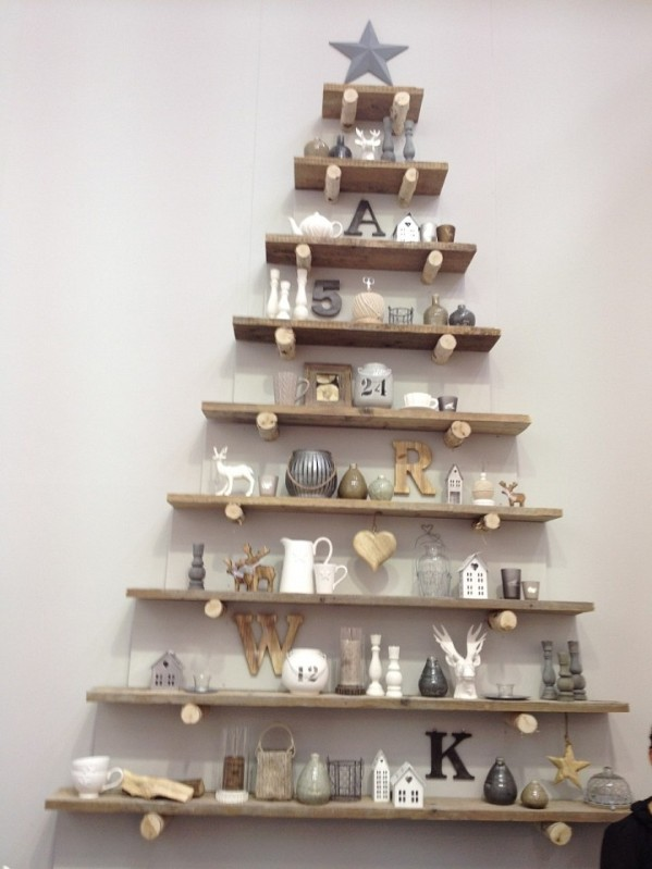 creative-wooden-shelf-christmas-tree