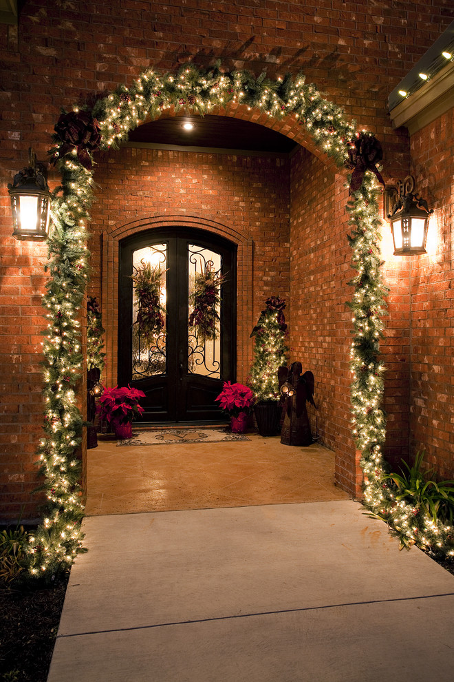 traditional-front-porch-christmas