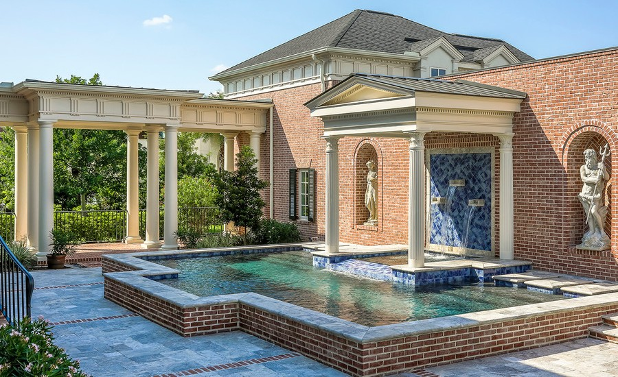 traditional-patio-design
