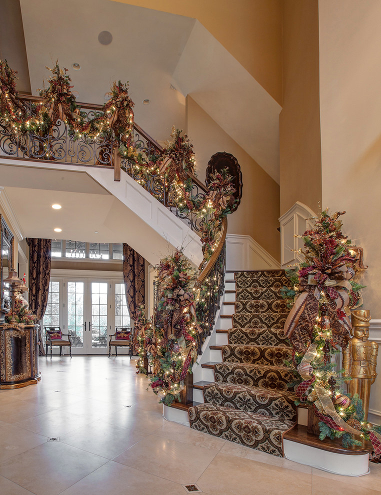 traditional-staircase-christmas-decoration