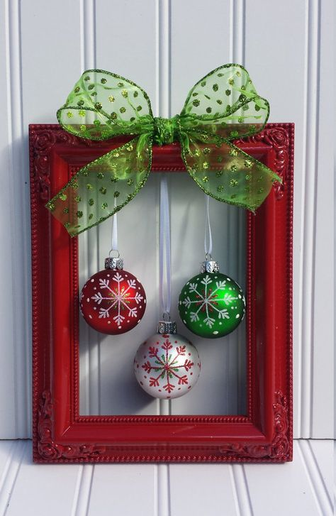 diy-christmas-frame-wreath