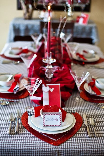 fresh-red-valentines-day-decoration-ideas-16