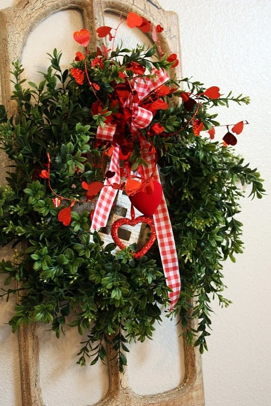 fresh-red-valentines-day-decoration-ideas-17