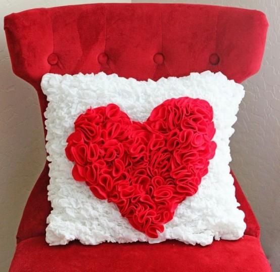 fresh-red-valentines-day-decoration-ideas-24