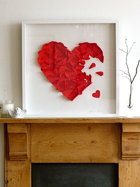 fresh-red-valentines-day-decoration-ideas-31