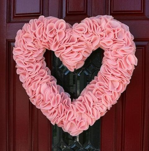 pink-valentines-day-decorations-for-home-10