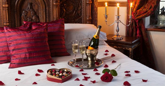romantic-valentines-bedroom-decorating-ideas-19
