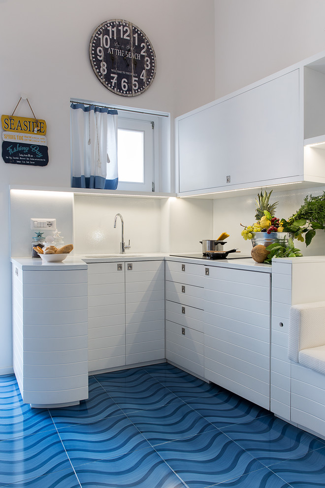 Small Beach Style Kitchen