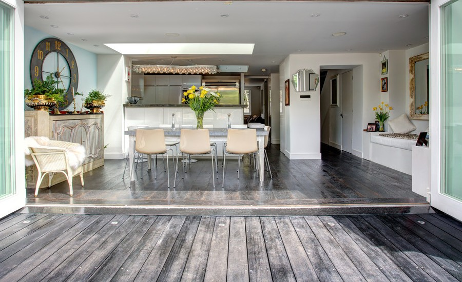Wooden Shabby-Chic Style Patio Design