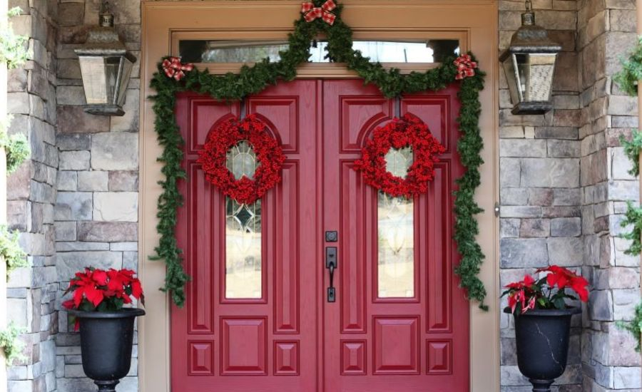Christmas Decorations for the Entrance