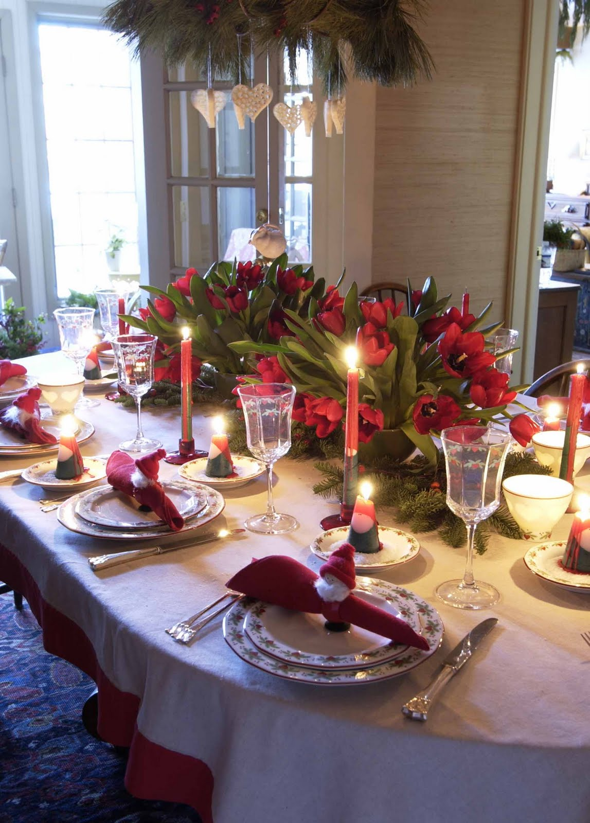 Admirable 35 Christmas Table Decoration Ideas For 2017 Wow Decor Interior Design Ideas Gentotryabchikinfo