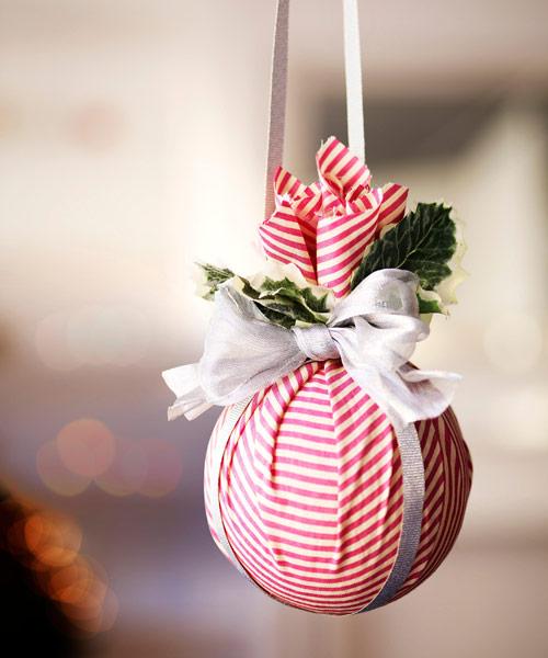 DIY Christmas Ball Craft