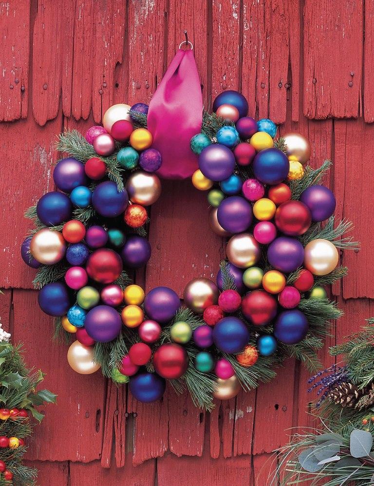Christmas Door Decorating Idea