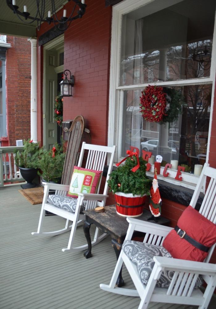Front Porch Christmas Decoratings Idea