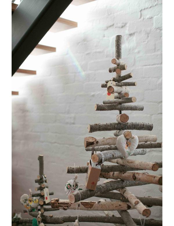 Modern Christmas Tree Decorating Ideas