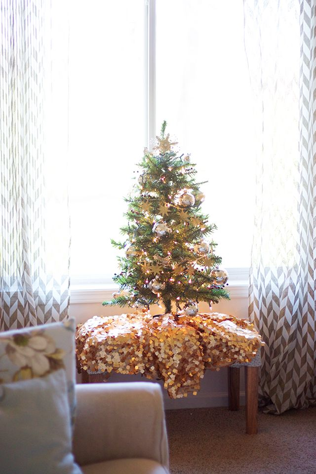 Christmas Tree Decoration For Small Space Thewowdecor