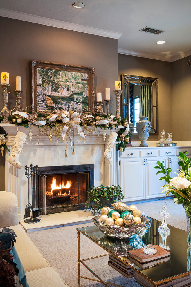 Traditional Living Room Christmas Decorating Ideas