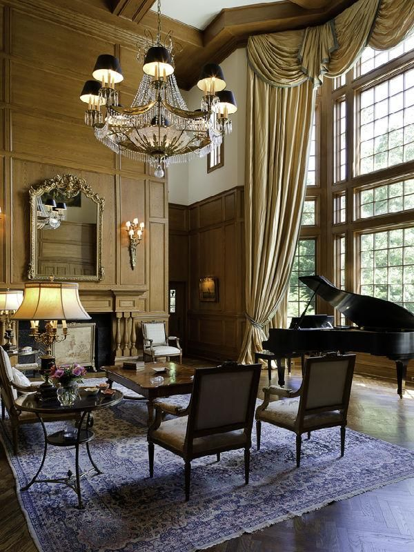 Victorian-Gothic-Living-Room-Design