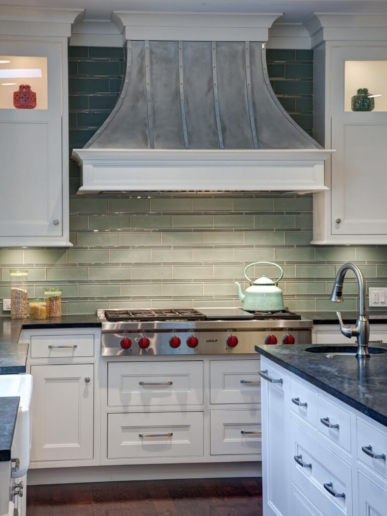 White-Traditional-Cottage-Kitchen-Design
