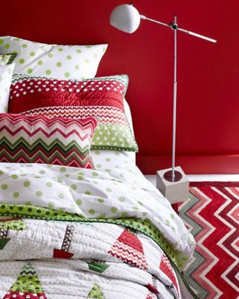 Christmas Bedroom Decor Ideas thewowdecor (14)