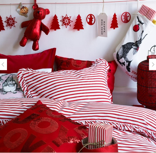 Christmas Bedroom Decor Ideas thewowdecor (20)