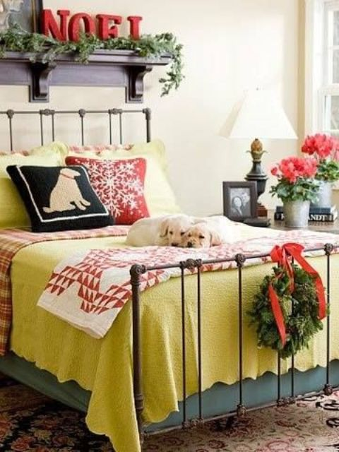 Christmas Bedroom Decor Ideas thewowdecor (22)