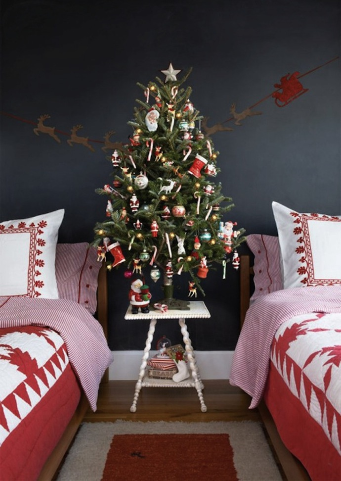 Christmas Bedroom Decor Ideas thewowdecor (3)
