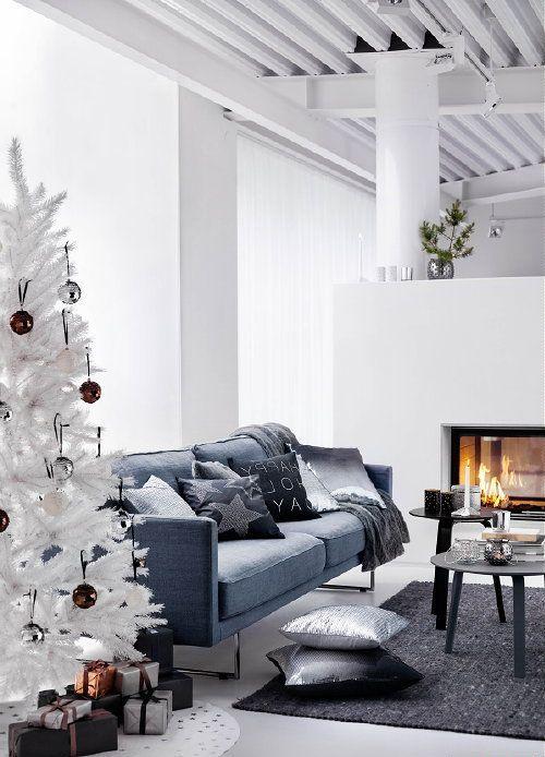 Christmas Living Room Decor Ideas thewowdecor (23)