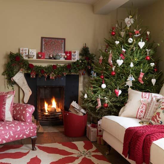 Christmas Living Room Decor Ideas thewowdecor (26)