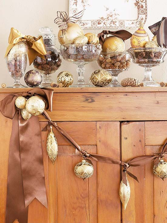 Gold Christmas Decoration Ideas (16)