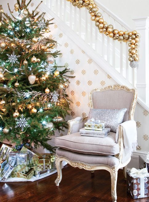 Gold Christmas Decoration Ideas (26)