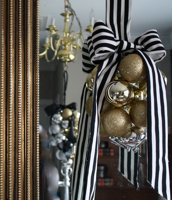 Gold Christmas Decoration Ideas (8)