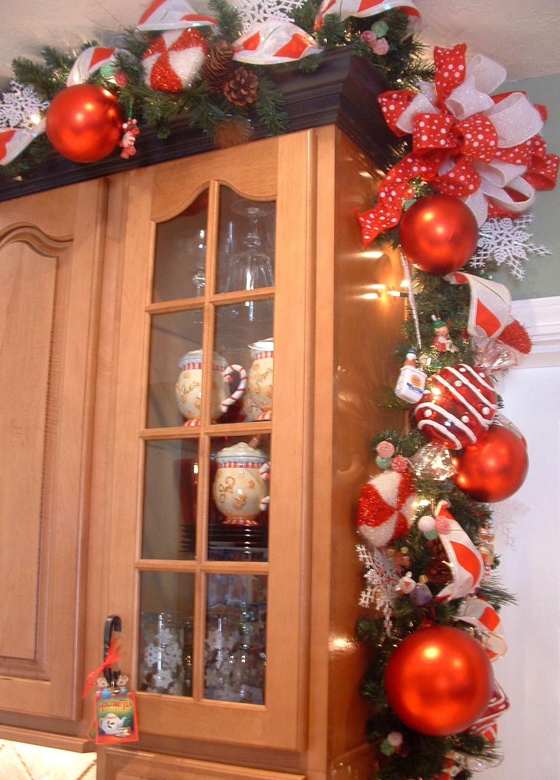 Kitchen Christmas Garland
