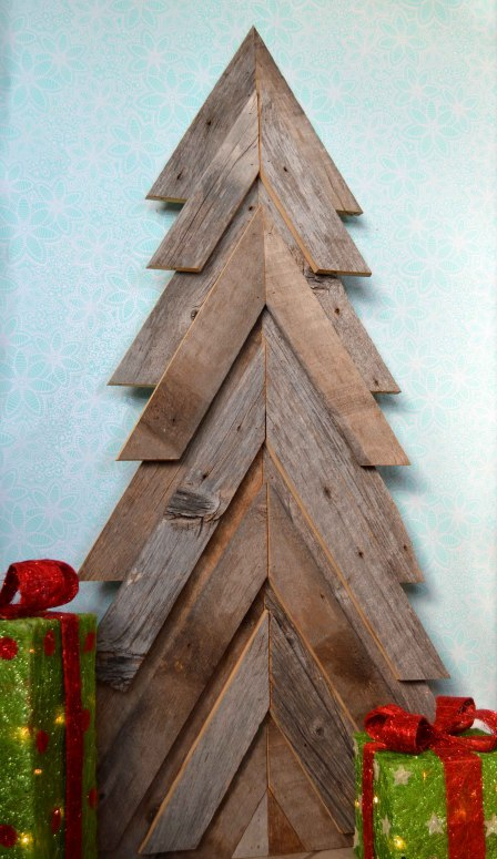 Rustic Christmas Tree From Wood Pallets