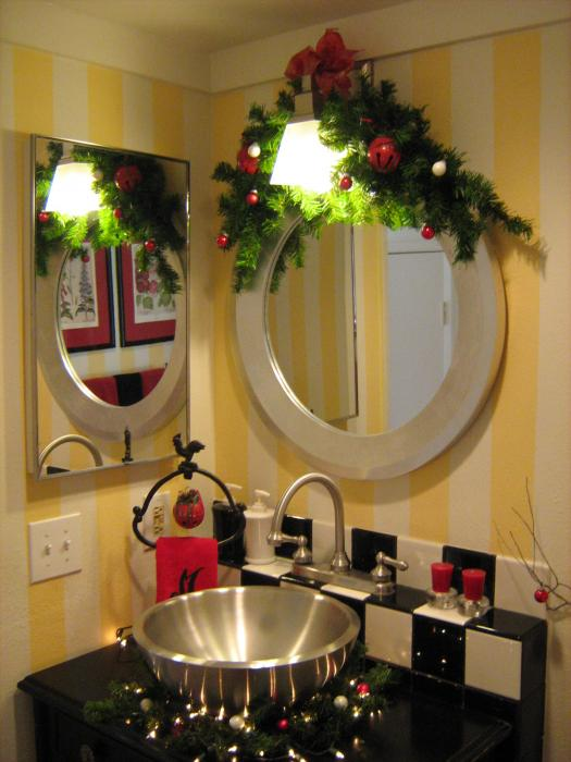 How to Decorate a Powder Room for Christmas